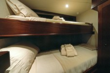 Twin cabin - luxury yacht Emerald Lady.png